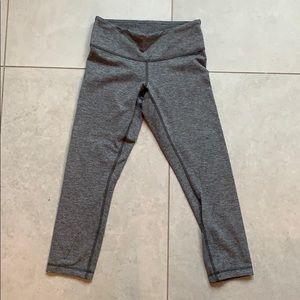 EUC lululemon 3/4 leggings
